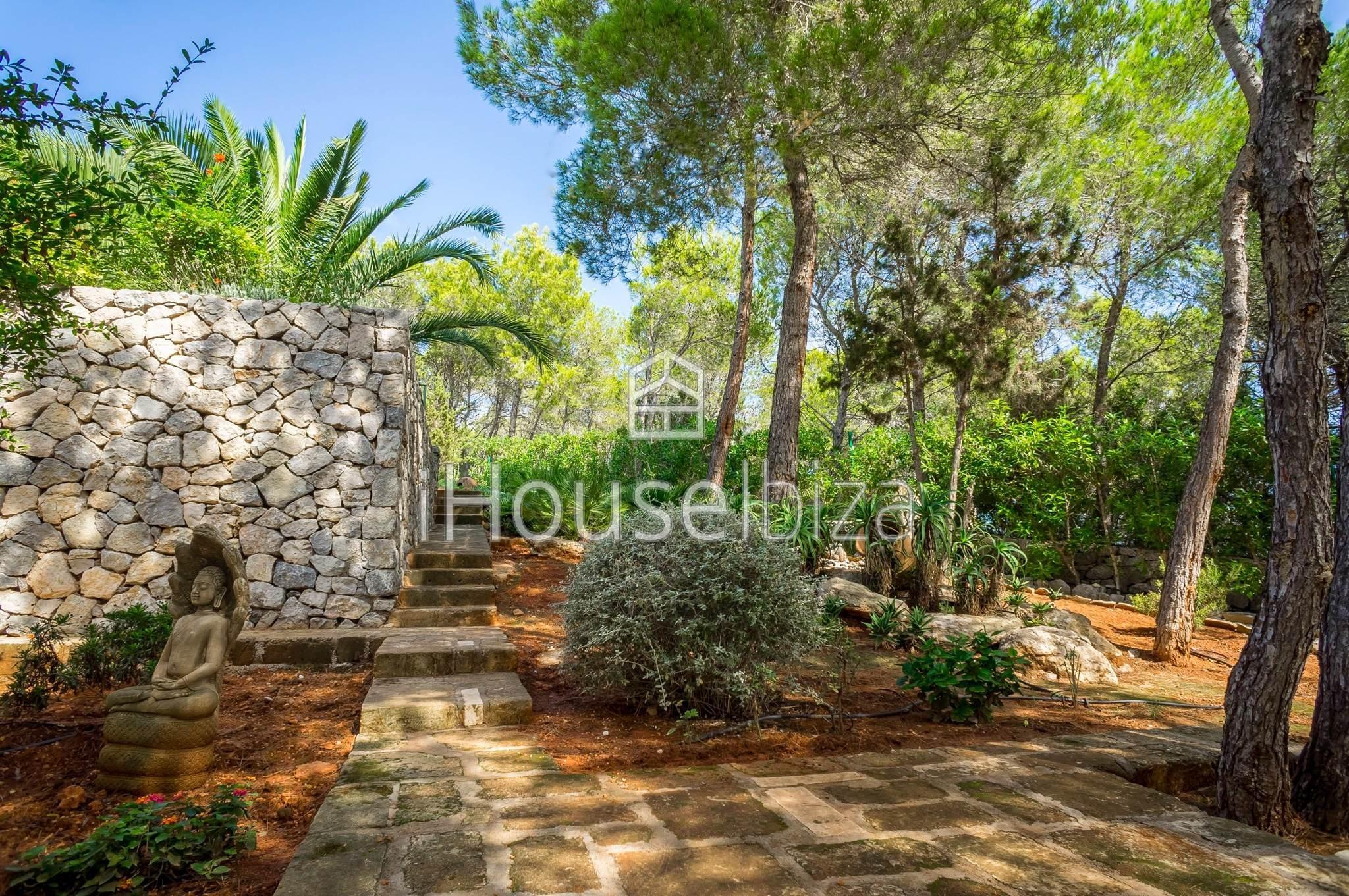 Se vende Villa en Cala Llenya - San Carlos.